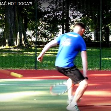 Jak zagrać hot-doga między nogami?
