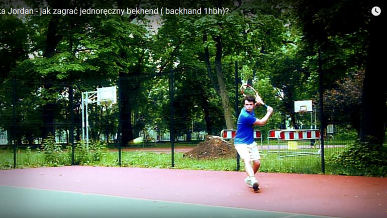 Jak zagrać jednoręczny bekhend (backhand)?